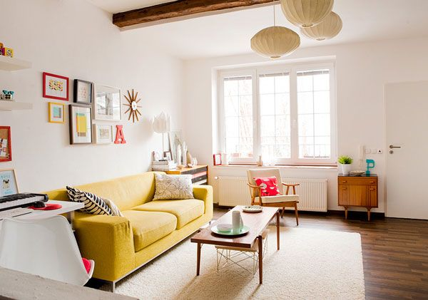 the boho chic offers you with colorful effect since you can use orange yellow bold red and violet purple in the interior design trends